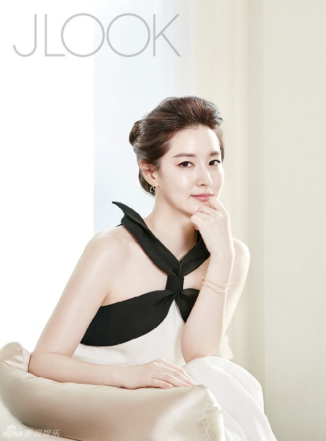 Lee Young Ae tre trung o tuoi 45 hinh anh 3