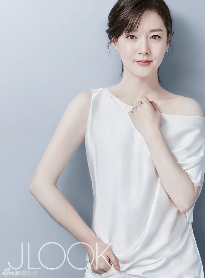 Lee Young Ae tre trung o tuoi 45 hinh anh 5