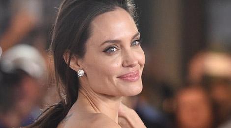 Angelina Jolie xam them 3 hinh moi hinh anh