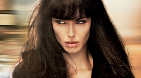 Diep vien 'Salt' cua Angelina Jolie len man anh nho hinh anh