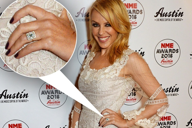 Kylie Minogue bi don dinh hon voi ban trai kem 19 tuoi hinh anh 1