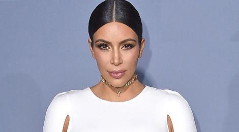 Kim Kardashian lan dau khoe anh con trai hinh anh