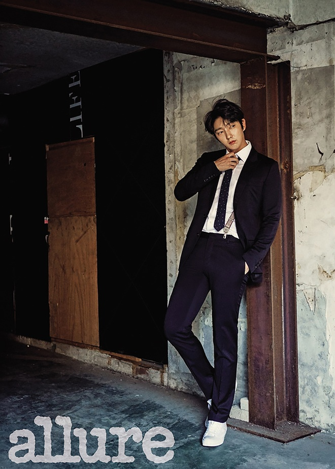 Lee Jun Ki dien trai tren tap chi so thang 3 hinh anh 1