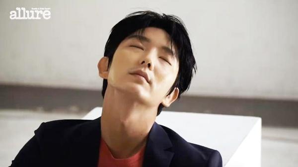 Lee Jun Ki dien trai tren tap chi so thang 3 hinh anh 6