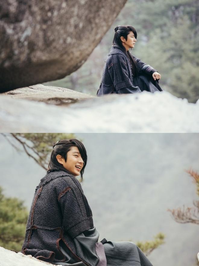 Lee Jun Ki dien trai tren tap chi so thang 3 hinh anh 7