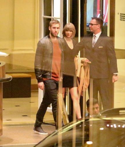 Taylor Swift va ban trai tay trong tay o khach san hinh anh 2
