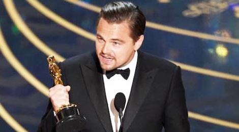 Leonardo DiCaprio lam gi sau Oscar? hinh anh