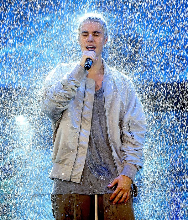Justin Bieber khoi dong tour dien an tuong hinh anh 4