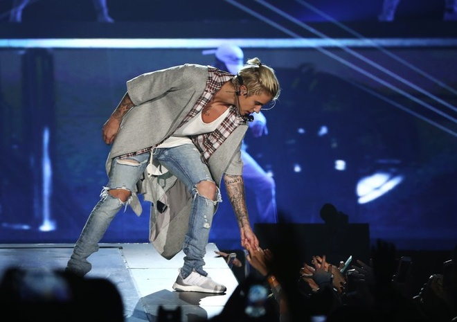 Justin Bieber khoi dong tour dien an tuong hinh anh 7