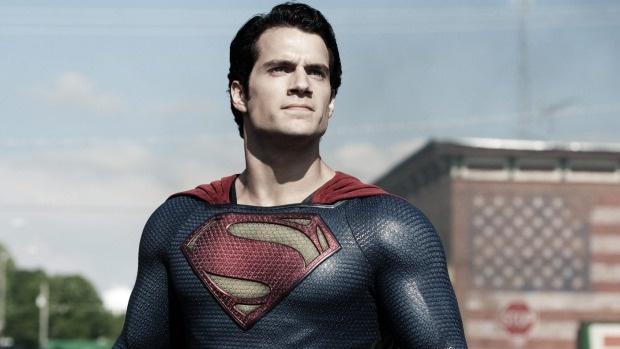 Sao 'Superman' bi tan tinh truoc mat ban gai hinh anh 2