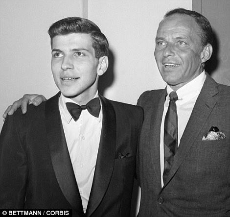 Nghe si Frank Sinatra Jr dot tu o tuoi 72 hinh anh 2