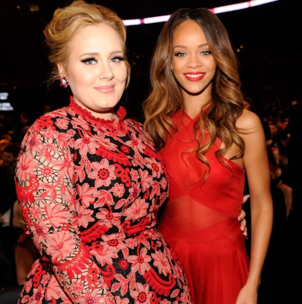 Adele tu cam minh di choi voi Rihanna hinh anh 1