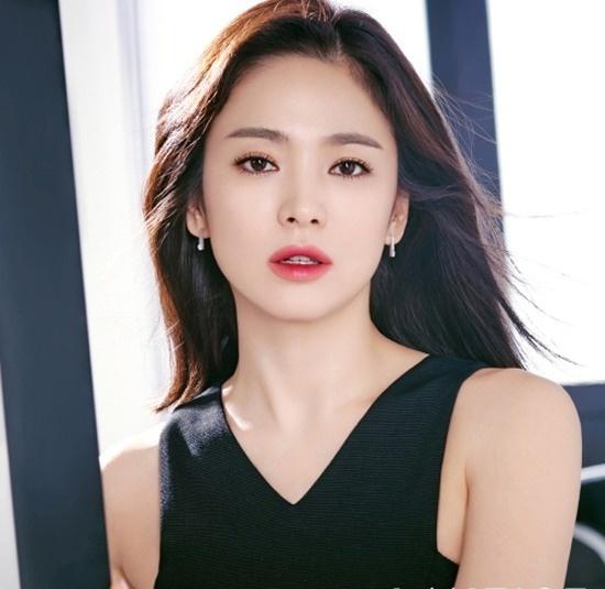 Song Hye Kyo khoi kien khi bi don la gai bao hinh anh 1