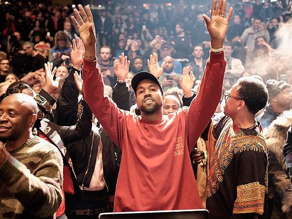 Kanye West ban duoc 1 trieu USD quan ao trong 2 ngay hinh anh 1