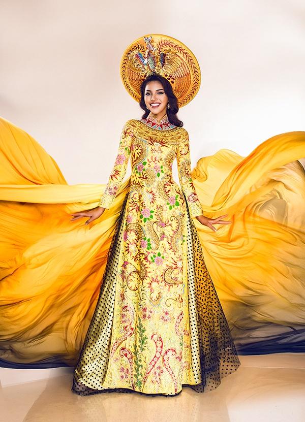 Nguoi dep Viet Nam lot top 3 Trang phuc dan toc Miss Eco hinh anh 7