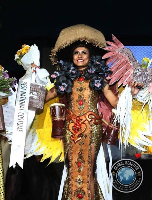 Nguoi dep Viet Nam lot top 3 Trang phuc dan toc Miss Eco hinh anh 2