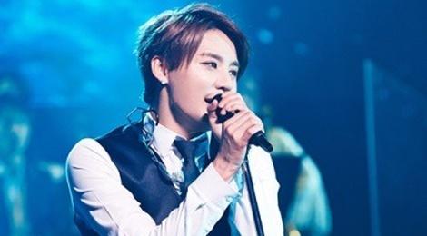 Junsu lan dau hat nhac phim 'Hau due mat troi' o concert hinh anh