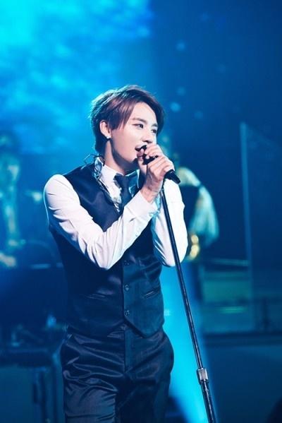Junsu lan dau hat nhac phim 'Hau due mat troi' o concert hinh anh 1