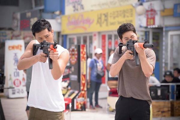 Dao dien 'Hau due mat troi' che Song Joong Ki nu tinh hinh anh 2