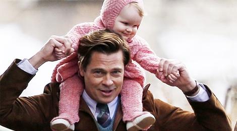 Brad Pitt lam bo dam tren truong quay hinh anh
