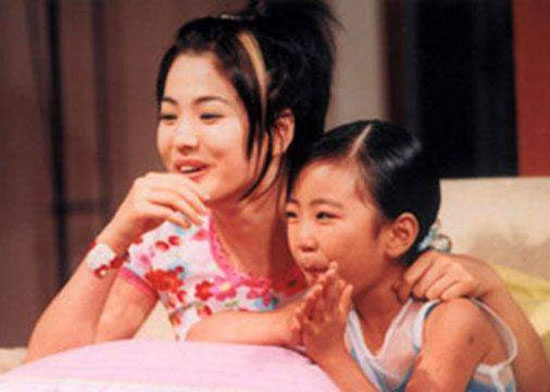 Nhung dau an cua Song Hye Kyo truoc 'Hau due mat troi' hinh anh 3