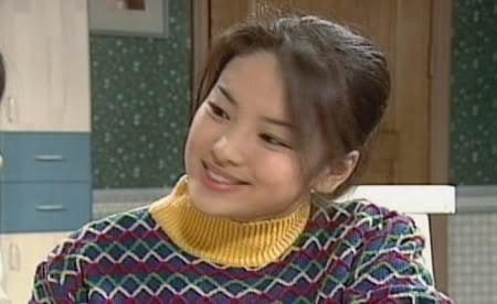 Nhung dau an cua Song Hye Kyo truoc 'Hau due mat troi' hinh anh 2