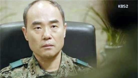 Trung tuong 'Hau due' va 9 nam lang tham voi ung thu gan hinh anh 1