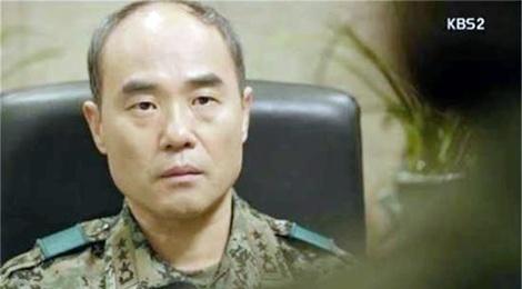 Trung tuong 'Hau due' va 9 nam lang tham voi ung thu gan hinh anh