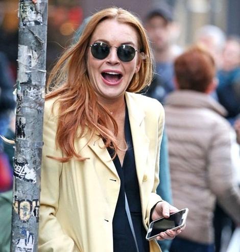 Lindsay Lohan up mo tin don dinh hon hinh anh 1