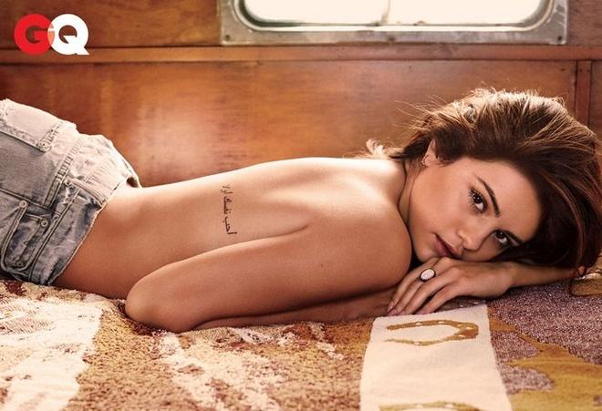Selena Gomez goi cam tren tap chi dan ong hinh anh 2
