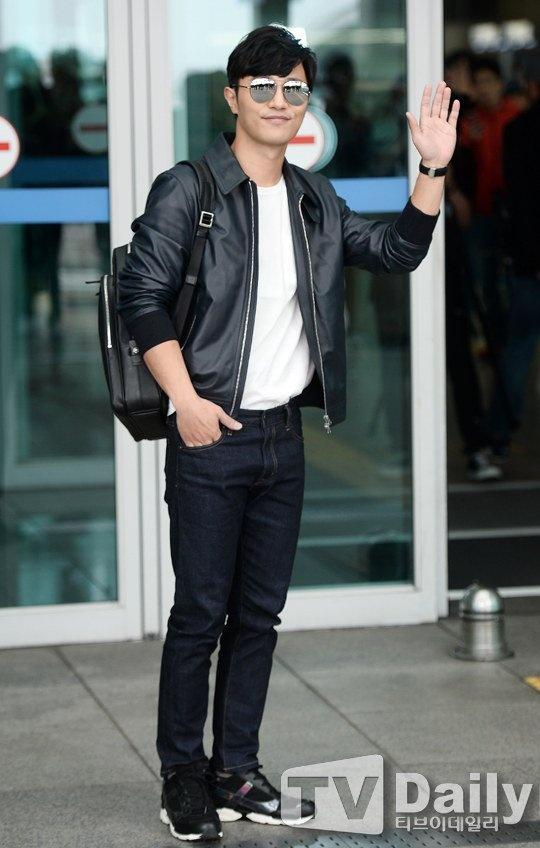 Lee Min Ho va sao 'Hau due mat troi' do thoi trang san bay hinh anh 6