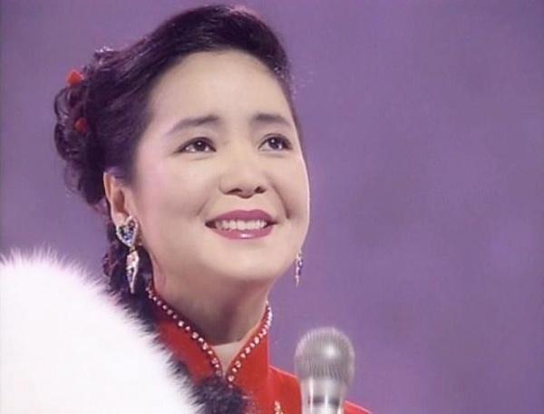 Dang Le Quan hat Khong hinh anh