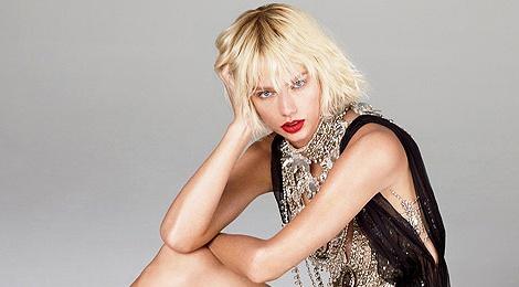 Taylor Swift ca tinh tren tap chi Vogue hinh anh