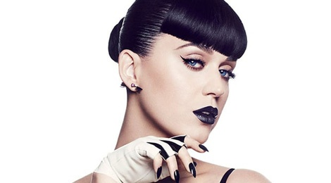 Katy Perry khoe dong my pham rieng dau tien hinh anh