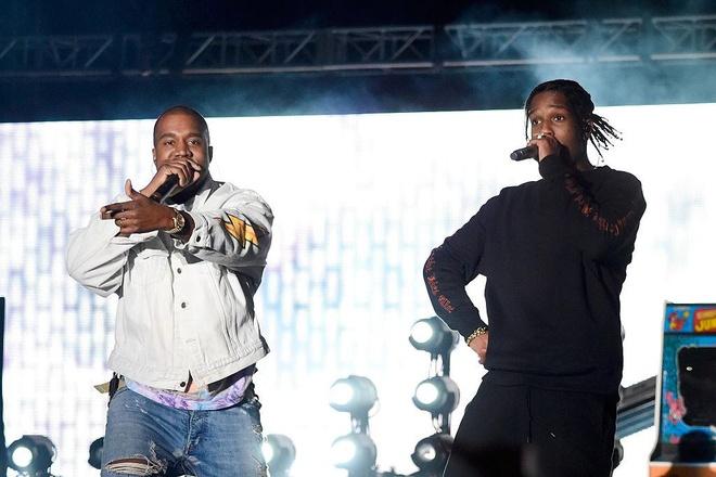 Kanye West bi tat mic vi lao len san khau hinh anh 1