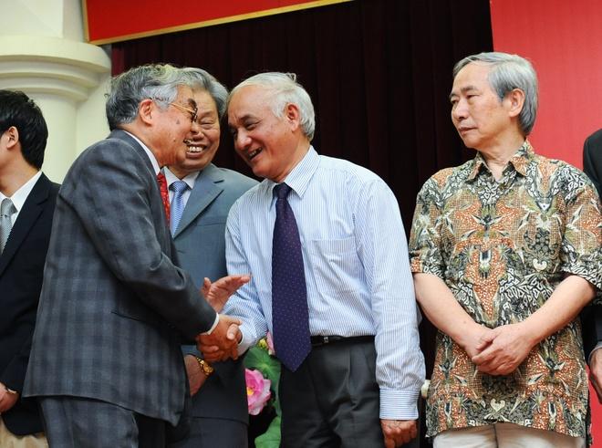 Giai Sach Viet Nam 2015: Ton vinh nhung bo sach do so hinh anh 3