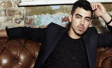 Joe Jonas len tieng chuyen ban gai cu hen ho ban than hinh anh