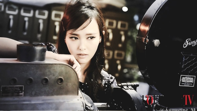 Duong Yen khac la tren tap chi vi photoshop hinh anh 7