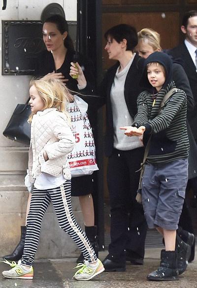 Angelina Jolie chi nang 36kg giua tin don ly hon Brad Pitt hinh anh 3