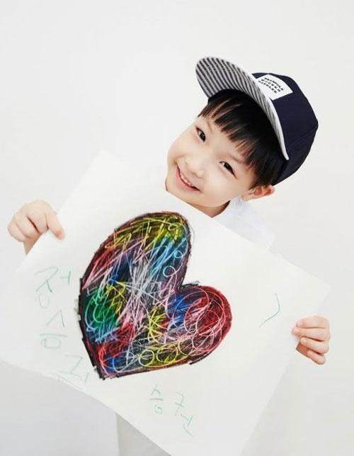 Cap song sinh nha Lee Young Ae ngay cang dang yeu hinh anh 2