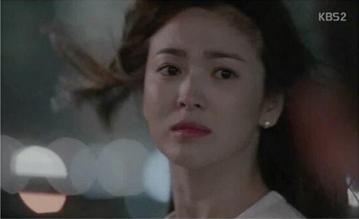 Song Hye Kyo bi hang nu trang khoi lai scandal tron thue hinh anh 2