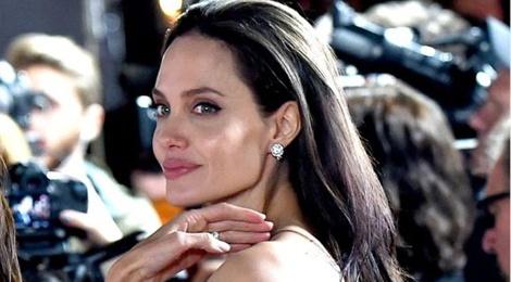 Angelina Jolie bi nghi gay go vi mac benh la hinh anh
