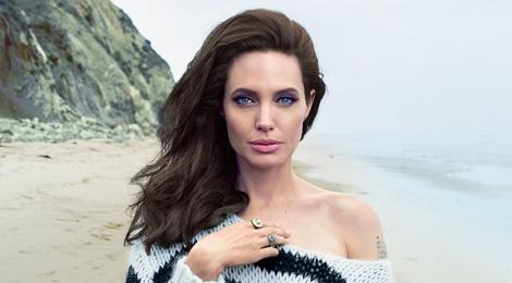 Angelina Jolie bi lang quen o 'Oscar thoi trang'? hinh anh