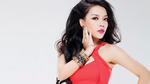 Ha Linh: 'Khong mac gi cung co the hat nhac Trinh' hinh anh 1
