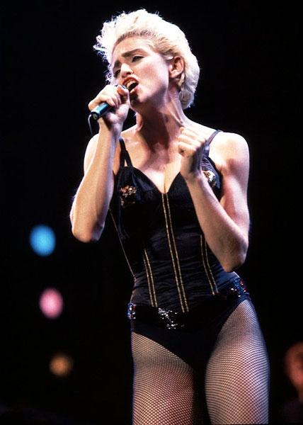 Madonna: Bieu tuong thoi trang hay nguoi dan ba noi loan? hinh anh 1