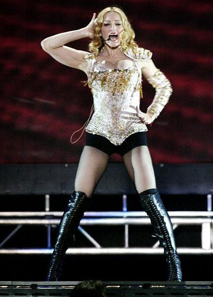 Madonna: Bieu tuong thoi trang hay nguoi dan ba noi loan? hinh anh 7