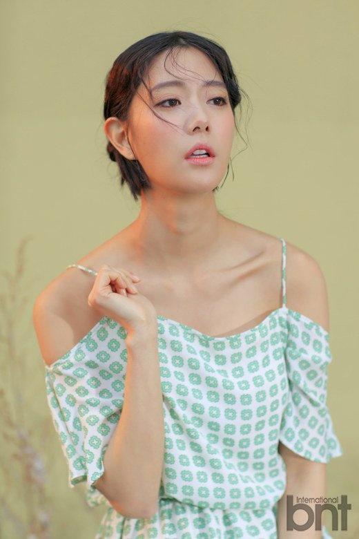Clara noi ve canh hon voi Song Joong Ki hinh anh 2