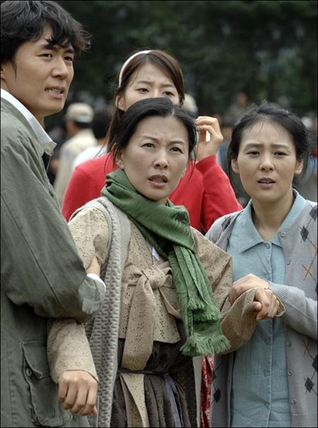 Nhung ba me so 1 trong phim Han hinh anh 6