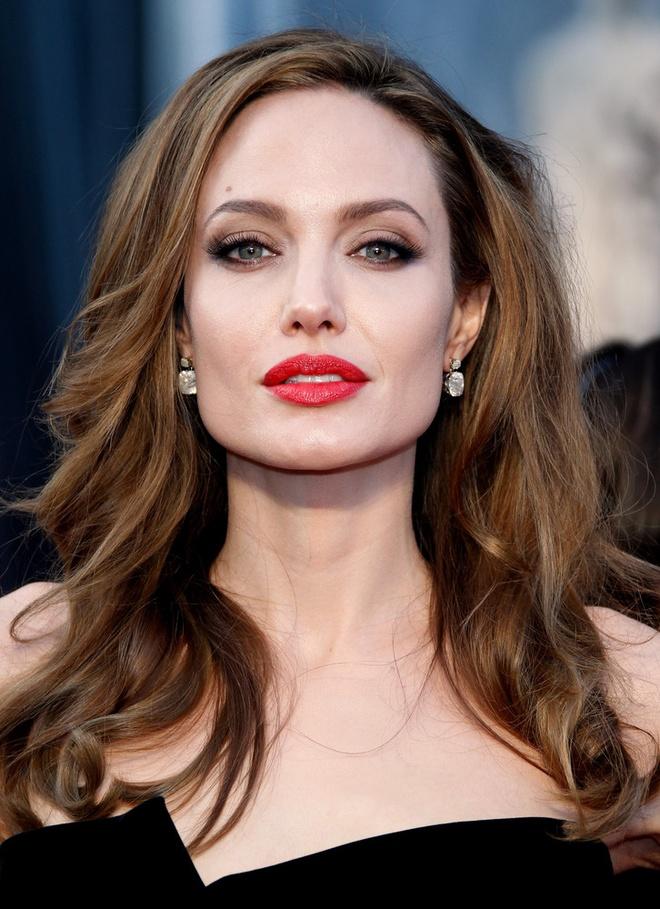 Angelina Jolie, Thanh Long la sao duoc ham mo nhat the gioi hinh anh 1