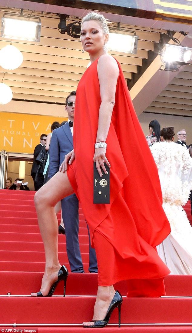 Bo cu Leonardo DiCaprio do chan dai voi Kate Moss hinh anh 4
